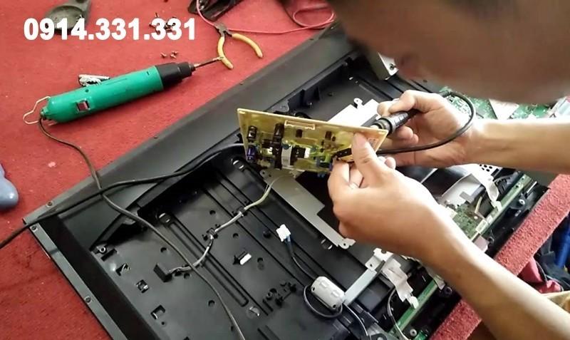 Sửa tivi tại nhà Linh Đàm uy tín giá rẻ nhất, thợ tay nghề cao