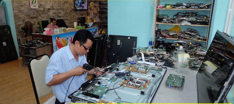 Những lưu ý khi gọi thợ sửa tivi trên mạng bạn cần biết