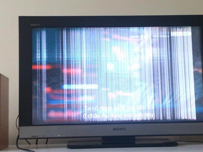 Tình trạng màn hình tivi bị sọc rất hay gặp